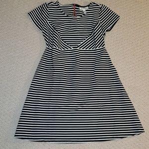 Jessica Simpson Maternity Dress Small